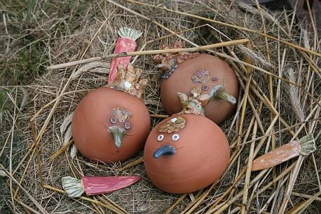 Huehner im Nest