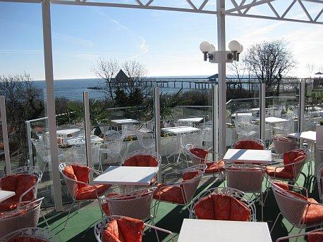 kaisersaal-terrasse.jpg