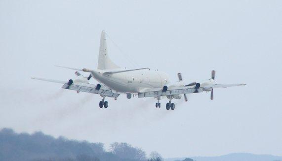 Lockheed P3C Orion im Abflug von HDF